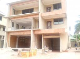7 bedroom house for sale at North Dzorwulu