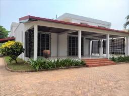 6 bedroom house for rent at Airport