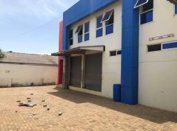 warehouse for rent at Madina