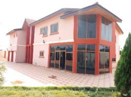 7 bedroom house for sale at Kwabenya