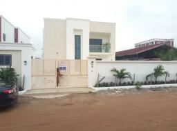 4 bedroom house for sale at West Trasacco