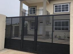 4 bedroom house for rent at School Junction