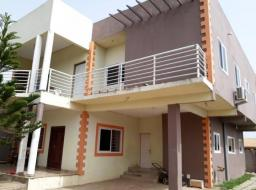 6 bedroom house for sale at Ofankor