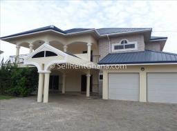 5 bedroom house for rent at Labone