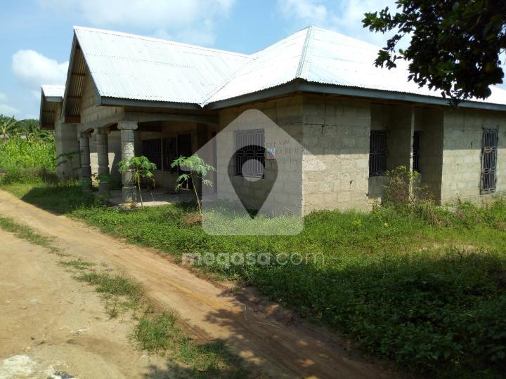 4 bedroom house for sale at Kumasi - 042241